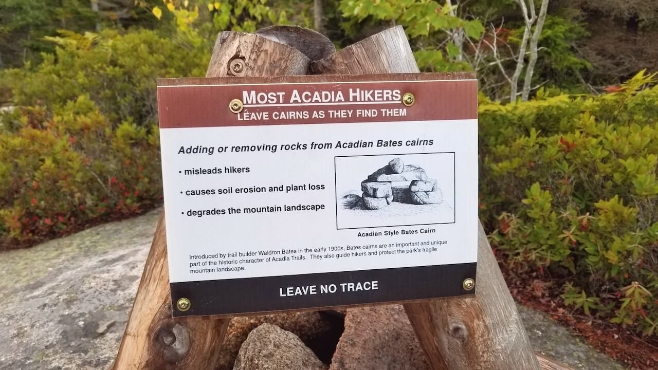 Cairn trail markers sign