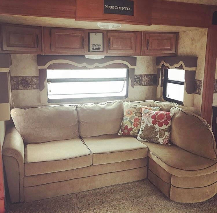 Living Room RV Before Renovation